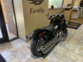 2020 H-D FLSL Softail Slim thumb 1