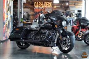2020 Street Glide Special thumb 3