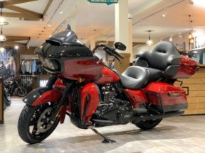 2020 Road Glide Limited – Black Option thumb 2