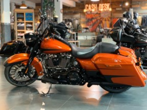 2019 Road King thumb 3