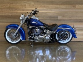 2017 Harley-Davidson® Softail® Deluxe thumb 1