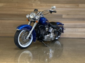 2017 Harley-Davidson® Softail® Deluxe thumb 2