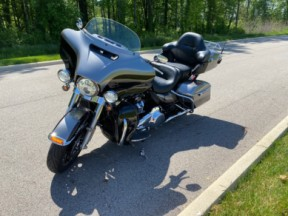 2017 Harley-Davidson® Ultra Limited Low thumb 0