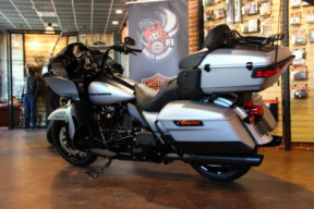 2020 Road Glide Limited – Black Option thumb 3