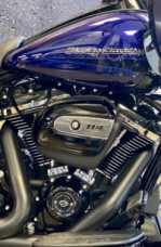 Zephyr Blue/Black Sunglo 2020 Harley-Davidson® Road Glide® Special thumb 2