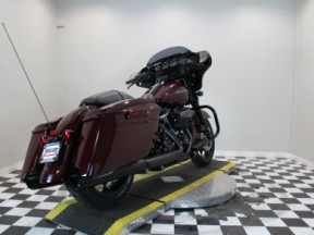 2020 Harley-Davidson® Street Glide® Special thumb 2