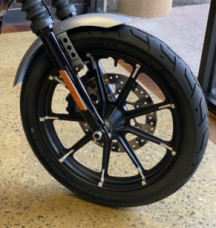Barracuda Silver Denim 2020 Harley-Davidson® Iron 883™ thumb 3