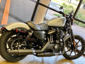 Barracuda Silver Denim 2020 Harley-Davidson® Iron 883™ thumb 1