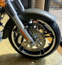 Industrial Gray Denim 2018 Harley-Davidson® Freewheeler® thumb 3