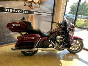 Mysterious Red/Blackened Cayenne 2014 Harley-Davidson® Electra Glide® Ultra Classic® thumb 1