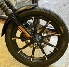 Black Denim 2020 Harley-Davidson® Iron 883™ thumb 3
