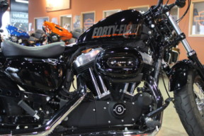XL 1200X 2014 Forty-Eight<sup>®</sup> thumb 3