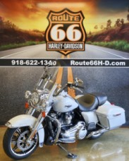 Stonewashed White Pearl 2020 Harley-Davidson® Road King® FLHR thumb 2