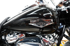 FLHR 2019 Road King<sup>®</sup> thumb 1