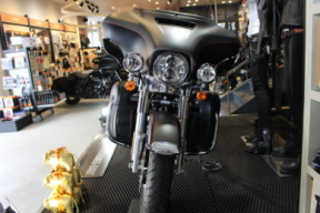 2019 Harley-Davidson® Ultra Limited thumb 3