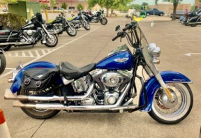 2009 Harley-Davidson® Softail® Deluxe thumb 2