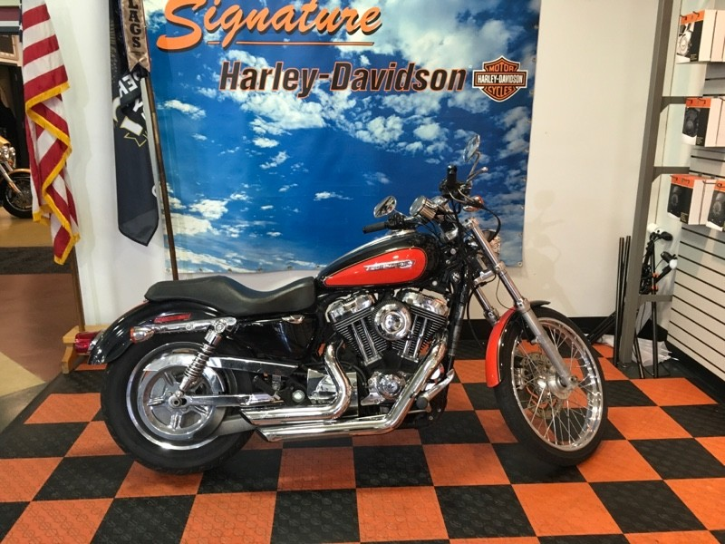 2009 Harley-Davidson® 1200 Custom Mirage Orange Pearl & Vivid Black