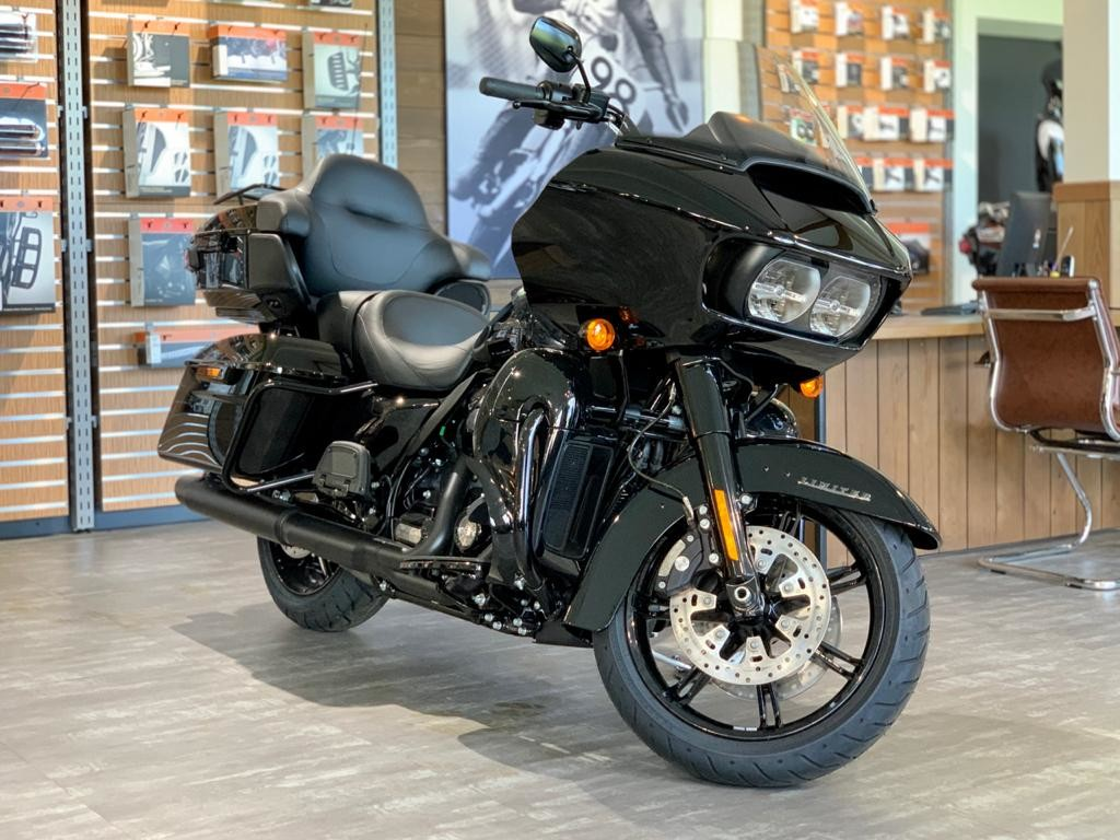 2020 Harley-Davidson® Road Glide® Limited – Black Option