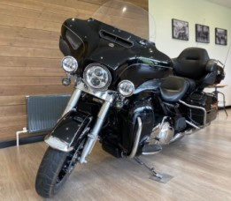 2016 Harley-Davidson® Ultra Limited thumb 2