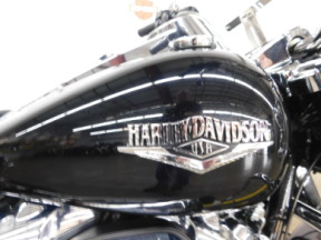 2019 Harley-Davidson Road King thumb 2