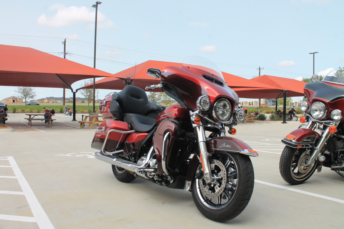 2019 Harley-Davidson<sup>®</sup> Ultra Limited Low FLHTKL