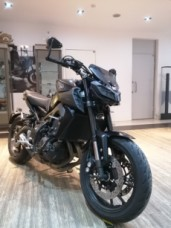 YAMAHA MT-09 thumb 3