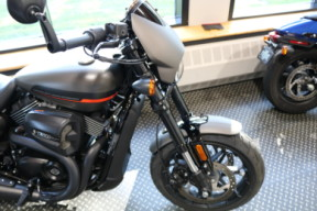 Used Low Mileage 2019 Harley-Davidson® Street Rod 750 Cruiser thumb 0
