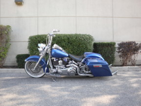 2011 Harley-Davidson® Softail® Deluxe thumb 1