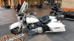 2019 FLHP Road King Police thumb 1