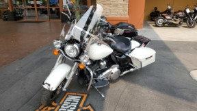 2019 FLHP Road King Police thumb 2