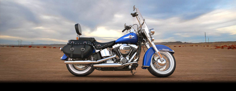 Harley-Davidson<sup>®</sup> Heritage Softail<sup>®</sup> Classic 2017 FLSTC AA221A SUPERIOR BLUE