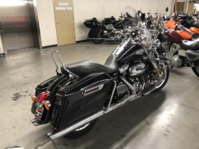 2018 Harley Davidson Road King FLHR thumb 2