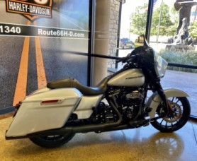 Barracuda Silver 2019 Harley-Davidson® Street Glide® Special FLHXS thumb 1
