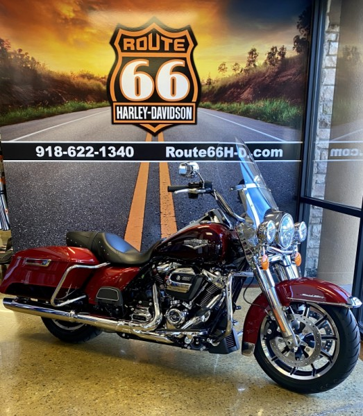Wicked Red/Twisted Cherry 2019 Harley-Davidson® Road King® FLHR