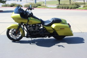 FLTRXS 2020 Road Glide<sup>®</sup> Special thumb 1