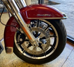 Wicked Red/Twisted Cherry 2019 Harley-Davidson® Road King® FLHR thumb 2