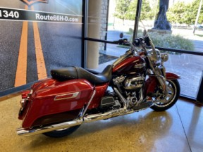 Wicked Red/Twisted Cherry 2019 Harley-Davidson® Road King® FLHR thumb 0