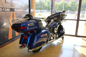 Superior Blue 2016 Harley-Davidson® Electra Glide® Ultra Classic® Low FLHTCUL thumb 0