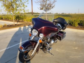 2006 Harley-Davidson® Electra Glide® Ultra Classic® FLHTCUI thumb 2