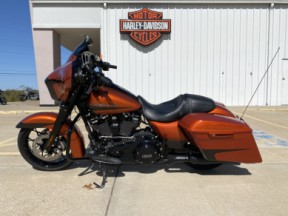 2020 HARLEY-DAVIDSON® FLHXS STREET GLIDE SPECIAL thumb 3