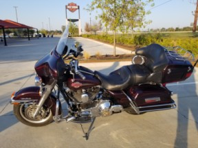 2006 Harley-Davidson® Electra Glide® Ultra Classic® FLHTCUI thumb 1