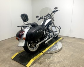 2005 Harley-Davidson® Softail® Deluxe FXSTN  thumb 2