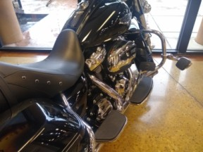 Black 2019 Harley-Davidson® Road King® FLHR thumb 2