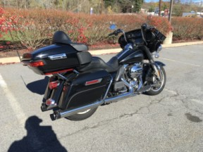 2014 Harley-Davidson® Electra Glide® Ultra Classic® thumb 2