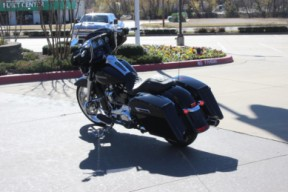 FLHX 2020 Street Glide<sup>®</sup> thumb 0