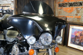 2010 Harley-Davidson® Road King® thumb 1