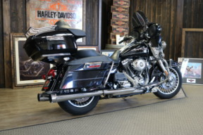 2010 Harley-Davidson® Road King® thumb 2