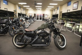 2010 Harley-Davidson® Forty-Eight® XL1200X thumb 3