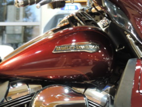 2015 Harley-Davidson® Touring FLHTCUL Electra Glide® Ultra Classic® Low thumb 1