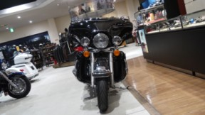 2010 Harley-Davidson® Electra Glide® Ultra Classic® thumb 2